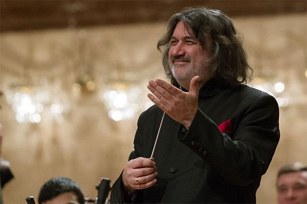 Художественный руководитель и главный дирижер Казанского камерного оркестра La Primavera Рустем Абязов поздравил «Музыкальное обозрение» с 30-летием