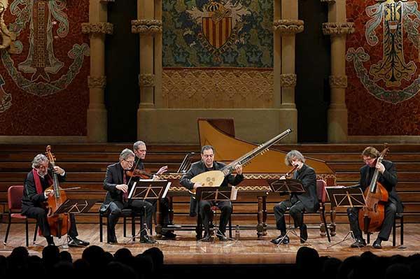 «Бури, грозы и морские празднества»: оркестр Жорди Саваля в Зарядье