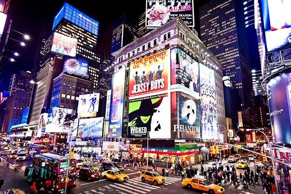 Театры Бродвея отменяют спектакли из-за коронавируса