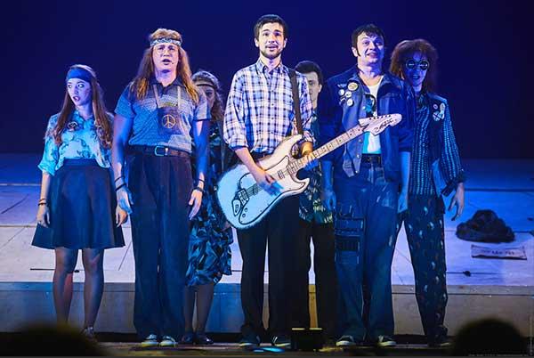 «Фома» неверующим. В Новосибирском музыкальном театре поставили рок-мюзикл по песням Юрия Шевчука