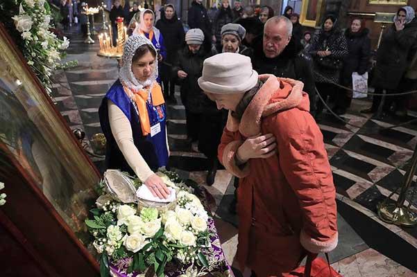 Церковь и коронавирус: инструкция Московской патриархии