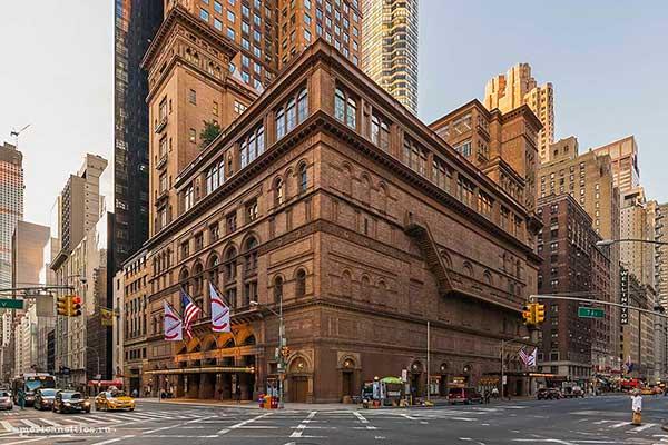 Нью-Йорк: Карнеги-холл закрывается до осени 2020