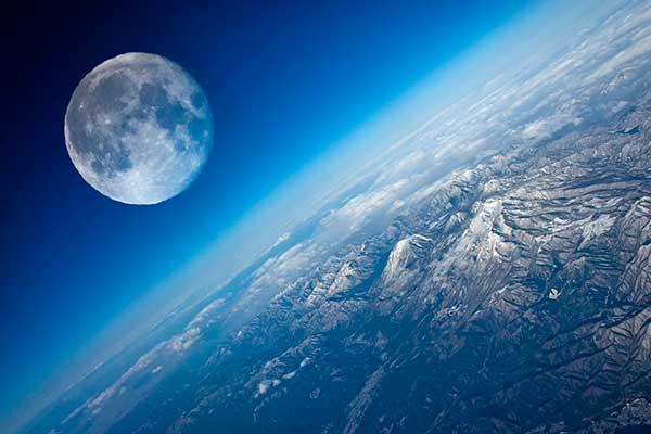 12 апреля — День космонавтики. К 100-летию первого исполнения сюиты Густава Холста «Планеты»