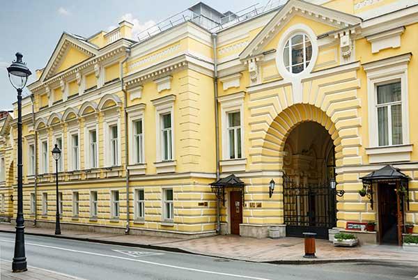 Музыкальному театру «Геликон-опера» — 30 лет