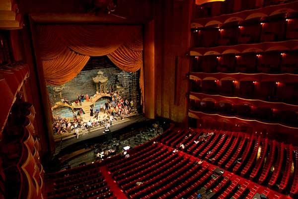 25 апреля, 22:00, Метрополитен-опера: домашний гала-концерт «At-Home Gala»