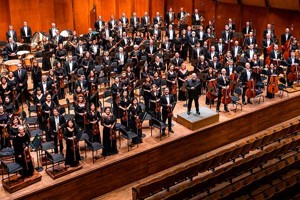 Нью-Йоркский филармонический оркестр отменяет осенний сезон
