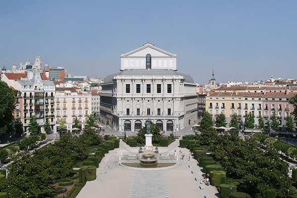 Королевский театр в Мадриде откроется 1 июля оперой «Травиата»