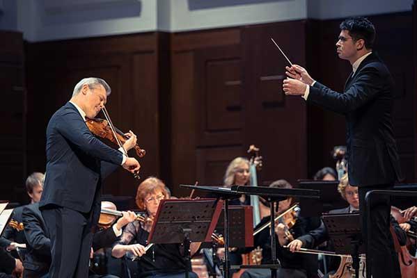 Мировая премьера на Транссибирском Арт-Фестивале: Арво Пярт La Sindone («Плащаница») для скрипки с оркестром