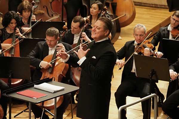 Александр Сладковский представляет 55-й концертный сезон Государственного симфонического оркестра Республики Татарстан