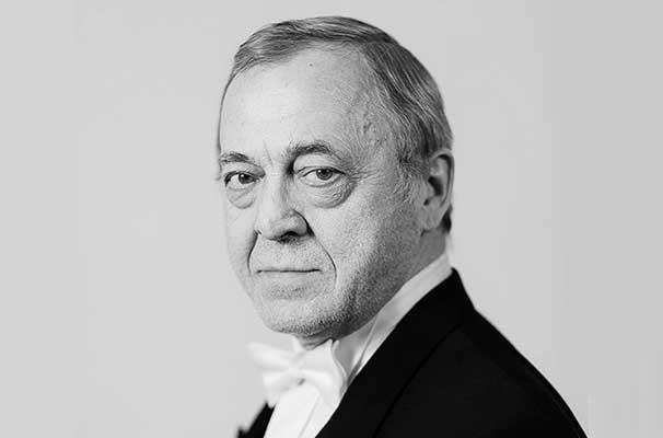 Ушел из жизни Евгений Шестаков, главный дирижер и художественный руководитель Тюменского филармонического оркестра