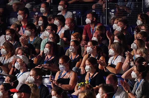 Немецкие ученые оценили риск заражения коронавирусом на концерте