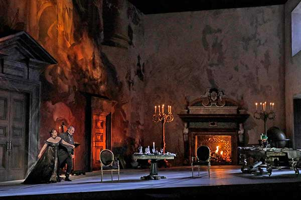 TheatreHD: «Тоска» в постановке Метрополитен-оперы