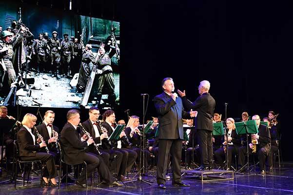 Дорогами Победы с оркестром