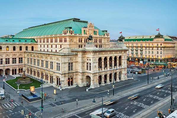 Театры Австрии закрываются на месяц