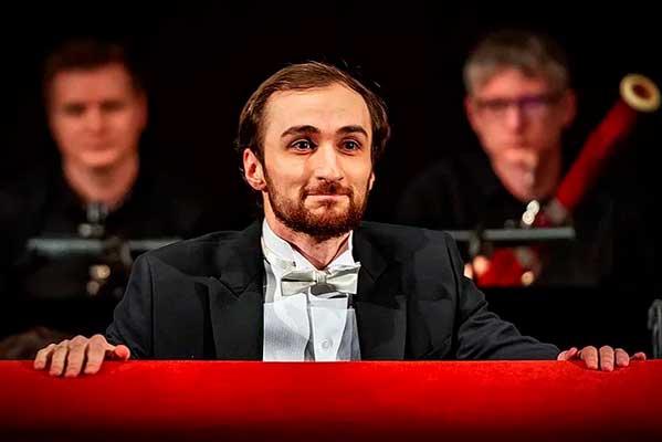 Георгий Албегов — главный дирижер Бурятского театра оперы и балета