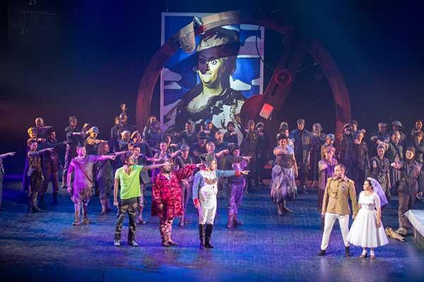 Премьера на сцене Башкирского театра оперы и балета — оперетта Жака Оффенбаха «Герцогиня Герольштейнская»
