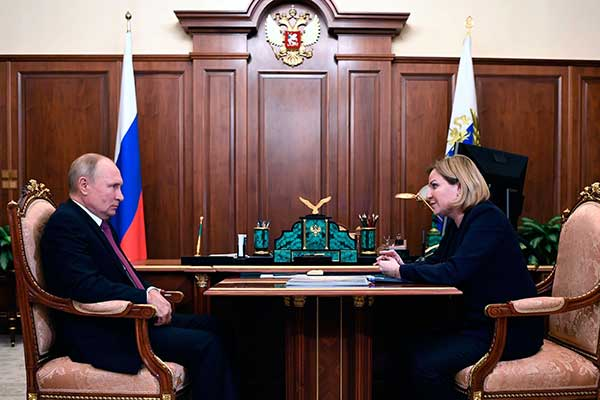 Встреча Президента РФ Владимира Путина с Министром культуры Ольгой Любимовой