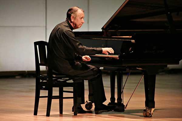 Михаил Плетнев с сольными программами из произведений Шопена в Филармонии-2