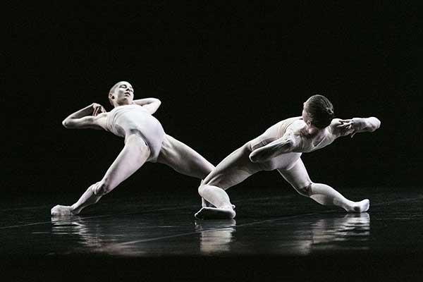 Премьера в МАМТе: Джордж Баланчин, Шарон Эяль, Акрам Хан — одноактные балеты (2—4 апреля 2021)
