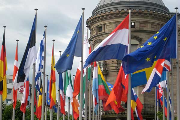 Как европейские и британские театры и оркестры встречают Пасху