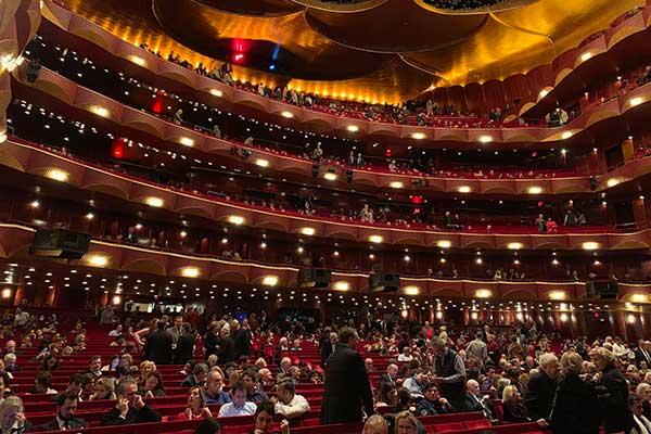 Нью-Йорк, культура, пандемия: двери открываются?