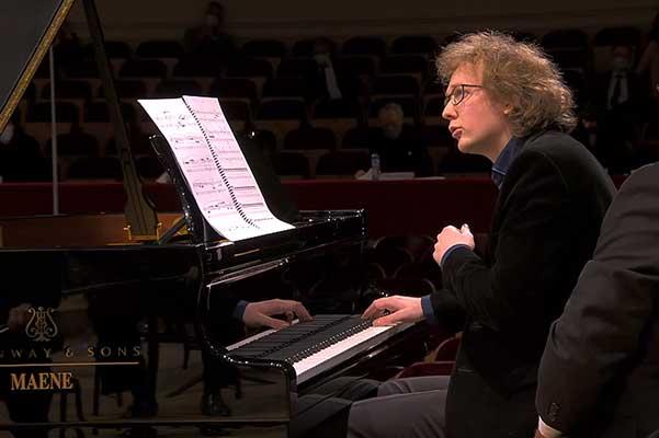 Пианист Сергей Редькин занял второе место на Конкурсе Королевы Елизаветы