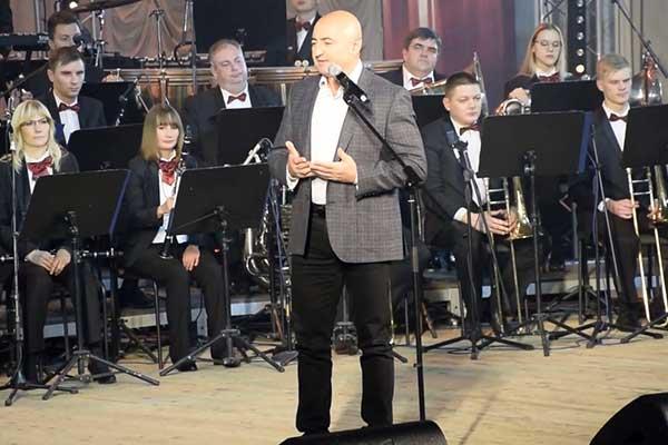 Песню «Нижегородская», написанную сенатором, допустили до конкурса к 800-летию Нижнего Новгорода, вопреки правилам