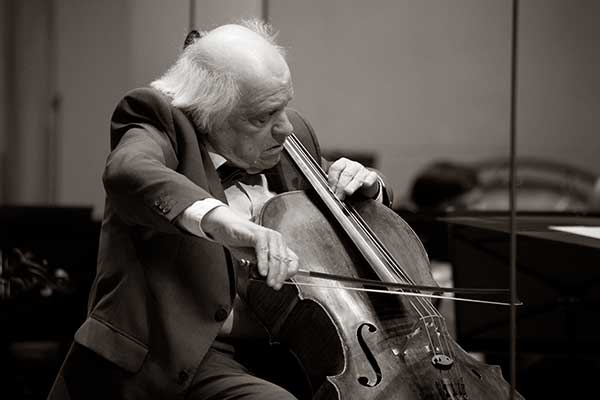 Не стало виолончелиста Виктора Симона