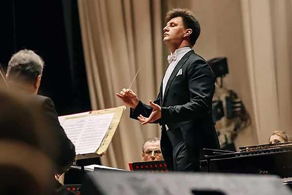 Конфликт в Ульяновском симфоническом оркестре: продолжение следует? (Коммерсантъ. Самара)