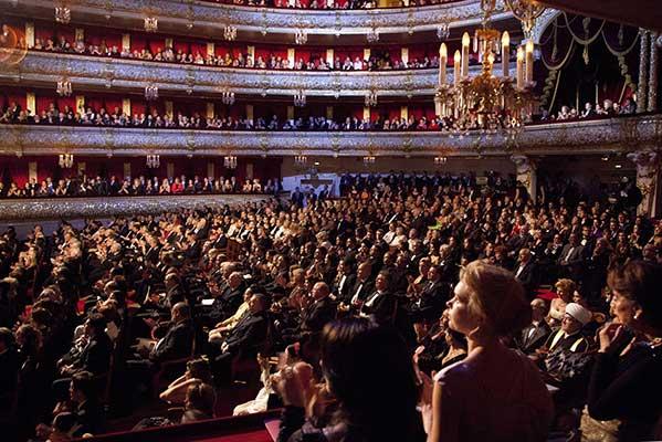 В Москве разрешили проведение концертов, спектаклей и других зрелищные мероприятий в  формате COVID-free без масок и перчаток