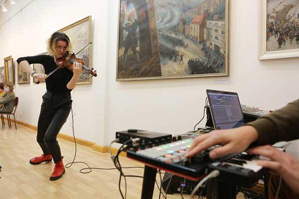 Выставка «Образы музыки» на фестивале «Кружева»: вернисаж с участием Марины Катаржновой, Николая Попова, Андрея Устинова (фотогалерея)